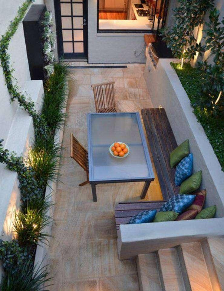 Petit jardin avec salon