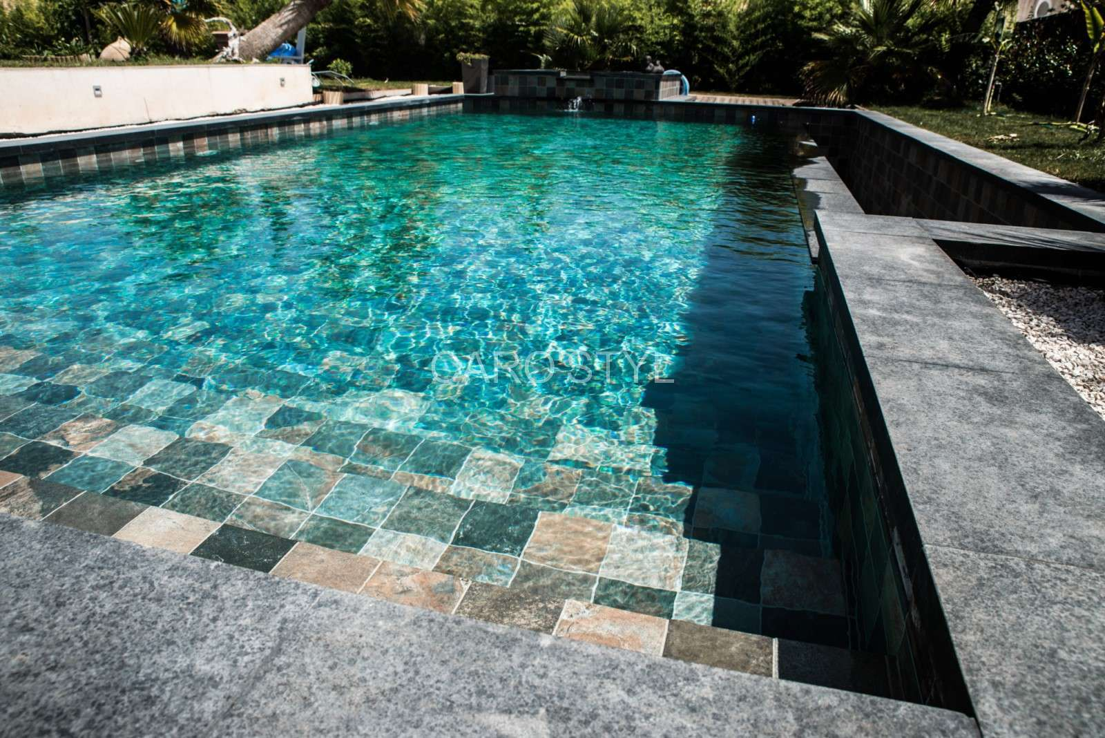 Carrelage piscine bali super d co for Prix piscine carrelee