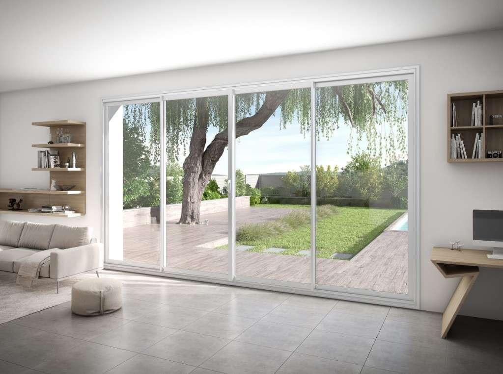Baie vitrée minimaliste pour un grand apport solaire