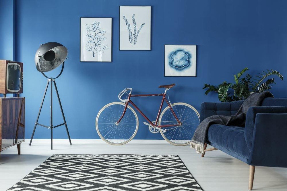 Mur peint en bleu