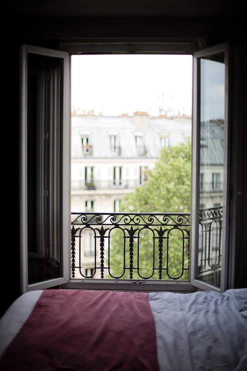 Fenêtre en pvc ouverte